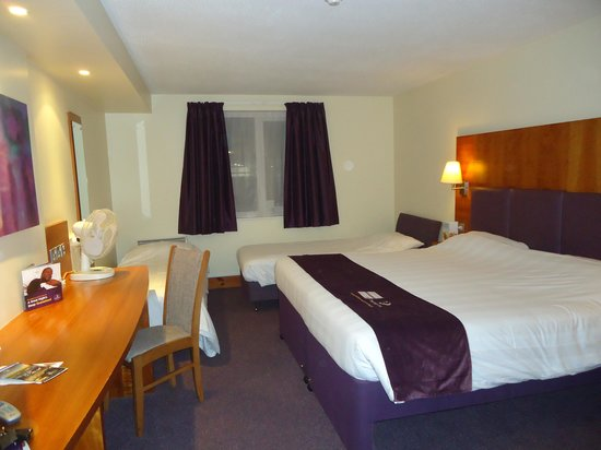 Premier Inn Blackpool East (M55, Jct4) Hotel: Ground floor room 20