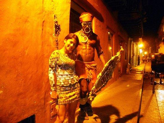 Plaza Santo Domingo : uno degli artisti di strada 1 foto ricordo per poco meno di un euro