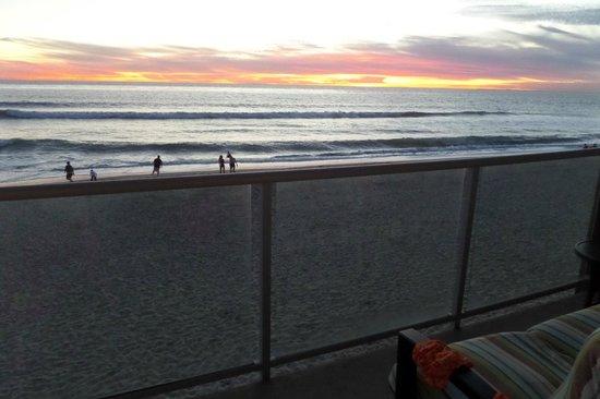 Beach Terrace Inn: Sunset from the balcony!