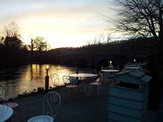 Swan Hotel & Spa: View across the river