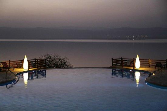 Dead Sea Marriott Resort & Spa: infinity pool