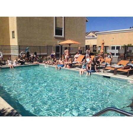 Courtyard Sacramento Cal Expo : Pool time!