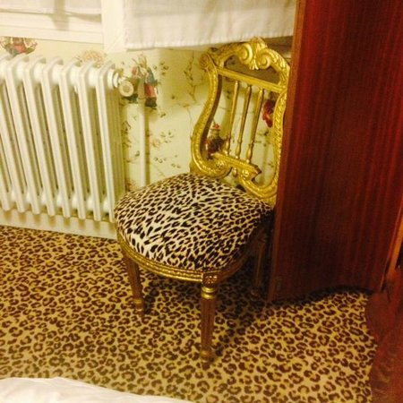 Hotel Particulier Richelieu : chair in the room