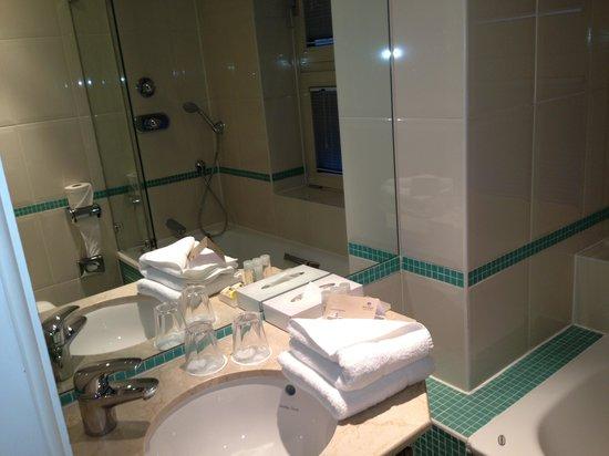 Park Plaza Nottingham: Bathroom
