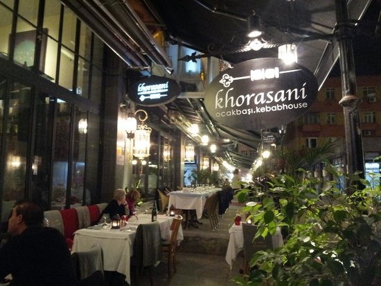 Khorasani Restaurant: View from the street