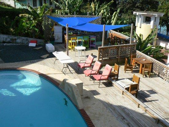 Casa Libre Puerto Rico: Pool and outdoor kitchen