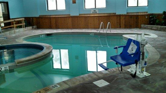 Econo Lodge Lake Placid: Pool Area