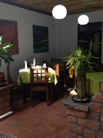 Casa de las Rosas: Dinning area