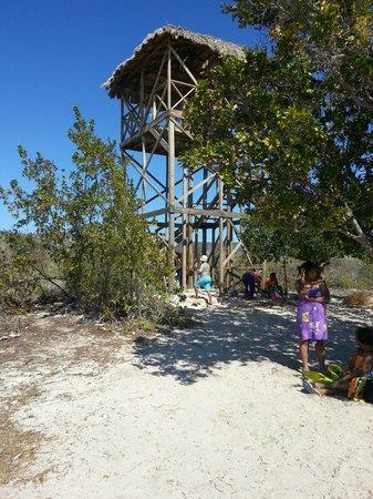 Bahia de las Aguilas: Tesoro Natural