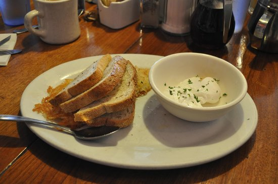 Fred's Coffee Shop : Perfect poached