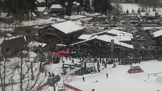 Bear Mountain: over-crowded base lodge