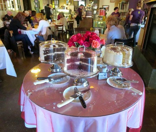 The Cafe: Dessert Table