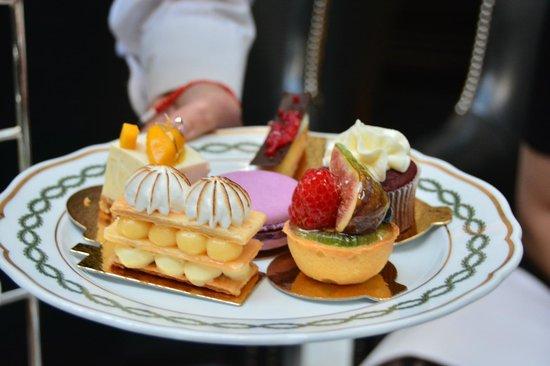 The Milestone Hotel : Pâtisseries de l'afternoon tea
