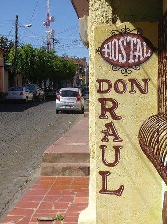 Hostal Don Raul: Street view
