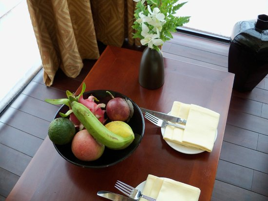 La Residence Hue Hotel & Spa : Welcome set up in the room