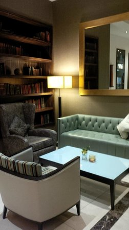 The Montcalm London Marble Arch: sitting area in lobby