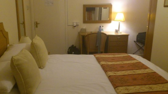 Apple Tree Hotel: Chambre 4