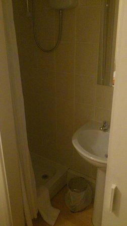 Salle de bain un peu petite