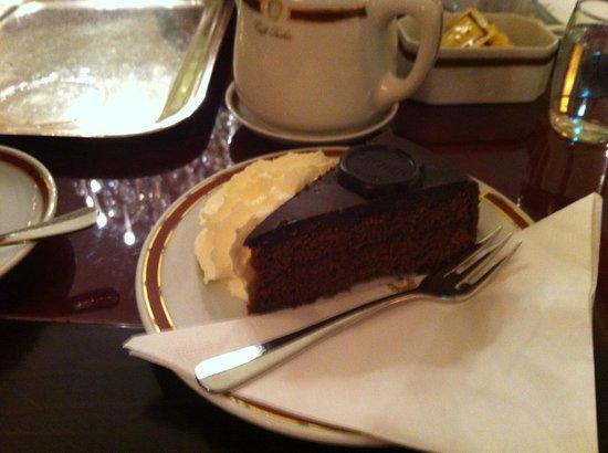 Café Sacher Innsbruck: la regina Sacher con panna
