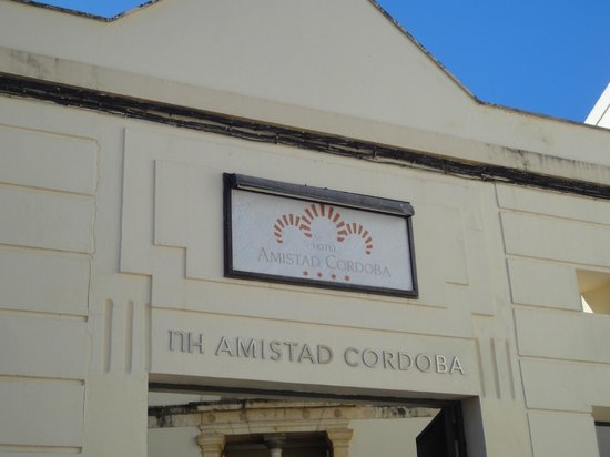 NH Collection Amistad Cordoba: Entrada Hotel