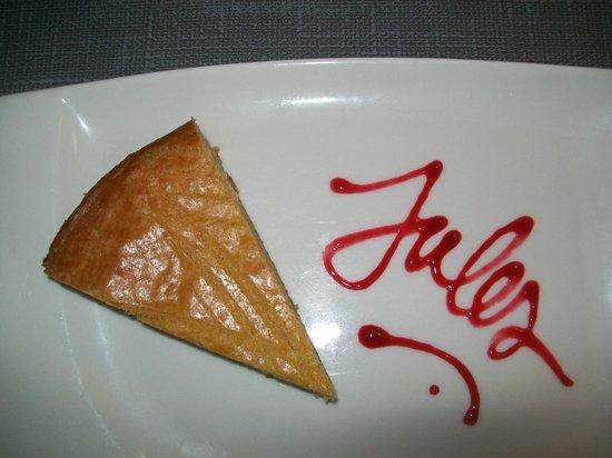 Chez Jules Krepategi : gateau basque de chez Paries à la crème d'amende excellent