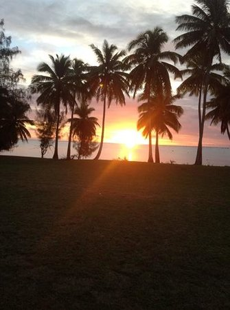 Amuri Guesthouse : Sunset from the beach across the road