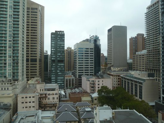 Meriton Serviced Apartments Kent Street: View from our 26th floor window.