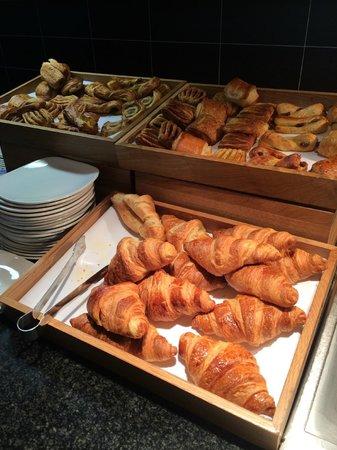Hilton Dublin Airport Hotel: Breakfast Buffet