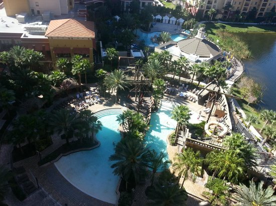 Wyndham Bonnet Creek Resort: Pool and lake view from our suite
