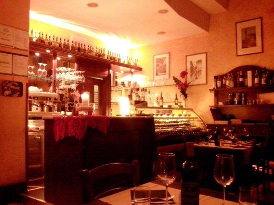 L'Oro di Siena: LOCALE E BANCONE