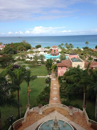 Sandals Grande Antigua Resort & Spa : View from the 7th floor on the Med side