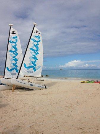 Sandals Grande Antigua Resort & Spa : Sail boats and kayaks to use