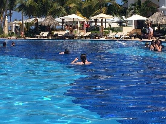 Luxury Bahia Principe Ambar Blue Don Pablo Collection: main pool!