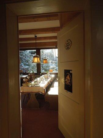 Gastehaus Alpenkranz: Breakfast room