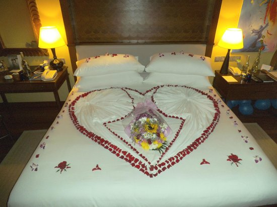 Taj Exotica Resort & Spa: The Butlers and House Keeping staff love making surprises; Just tell them you love surprises.