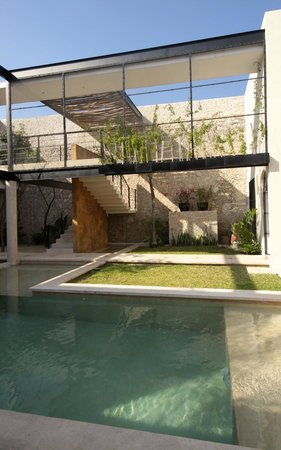 Koox Casa de las Palomas Boutique Hotel : pool/courtyard area