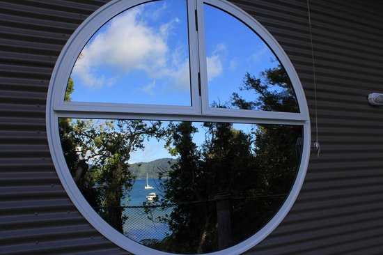 No Road Inn: Inlet views reflecting of unique round windows