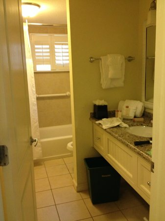 Sanibel Inn: bathroom
