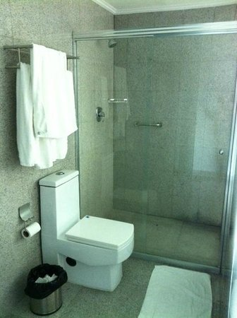 Grand International Hotel : Banheiro