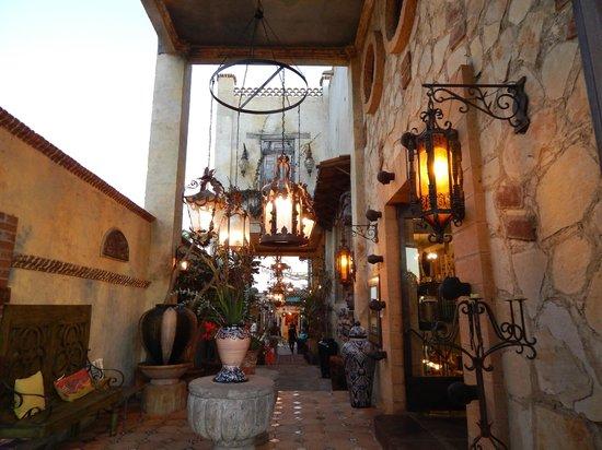 Lugareno Cocina: The entry to Villa Valentina
