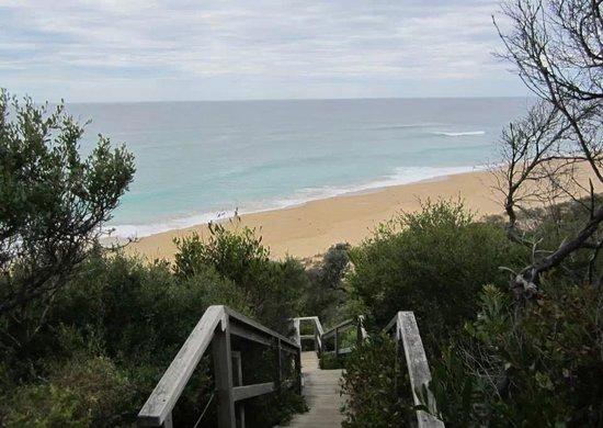 The Lakes Beachfront Holiday Retreat: Walkway to the beach