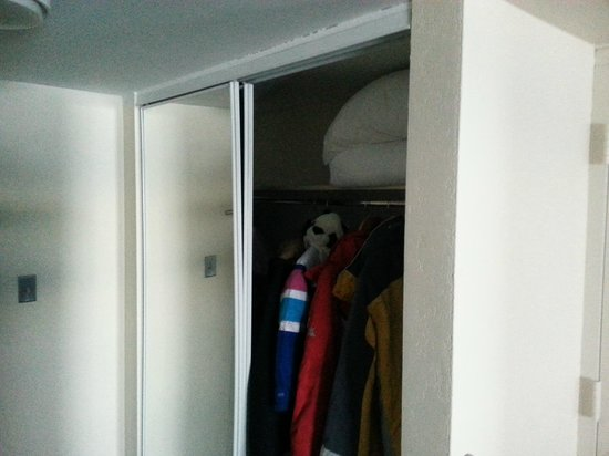 High Peaks Resort: Warped closet door