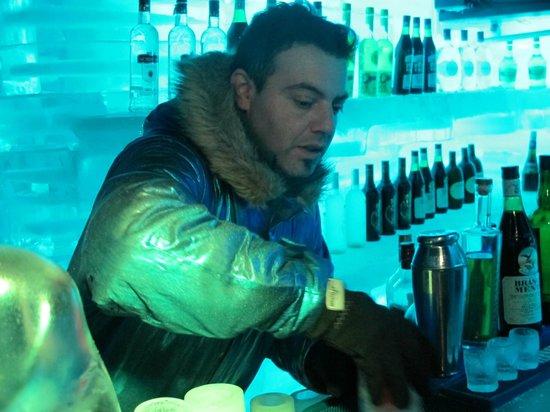 Glaciarium: Open bar durante o tempo que está no local