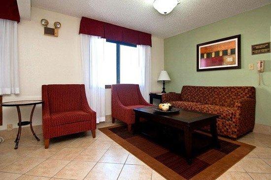 Best Western Mt. Pleasant Inn: Lobby