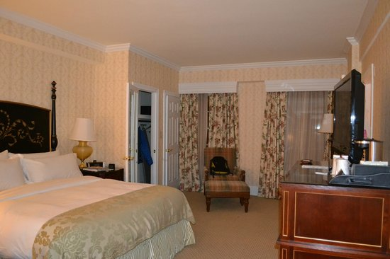 The Fairfax at Embassy Row, Washington, D.C. : 5th floor handicapped accessible room