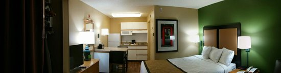 Extended Stay America - Washington, D.C. - Reston: Grand tour. Smaller than I expected
