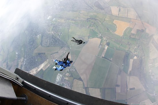 GoSkydive: :)