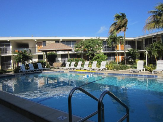 Dolphin Key Resort: heated pool