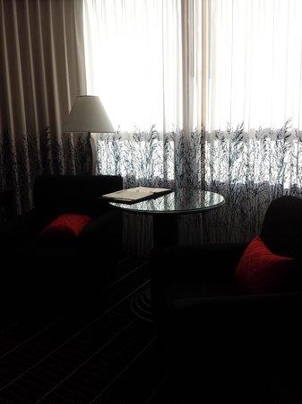 The Bristol Hotel - A Greystone Hotel: Love this decor