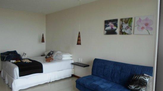 Zen Boutique Apart Hotel: cama y sillon, comodisimos